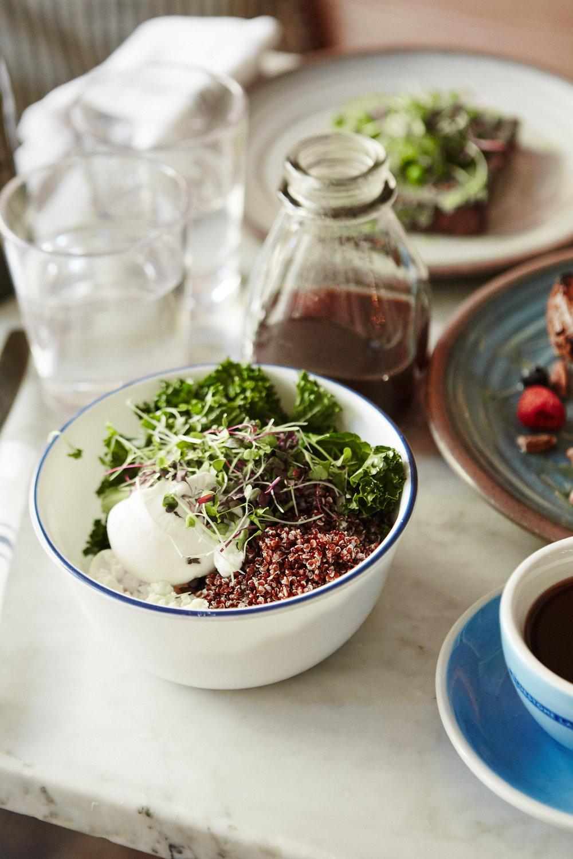 3 Healthy Brunch Spots in NYC | Julia Friedman | Bluestone Lane Breakfast Bowl.