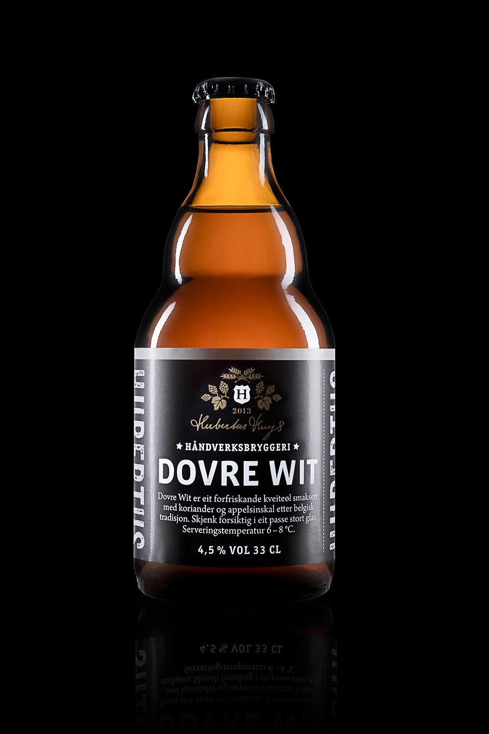 Dovre wit - Type: Wheat beer.Color: Light golden.Aroma: Light malt, citrus, coriander.Flavor: Fruity and creamy.Contents: Alcohol 4,5%.Food pairing: Fish, sushi, sea food and salads.