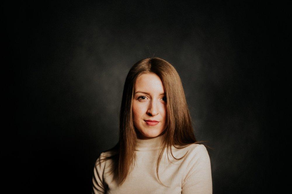 Adrienne-003.jpg