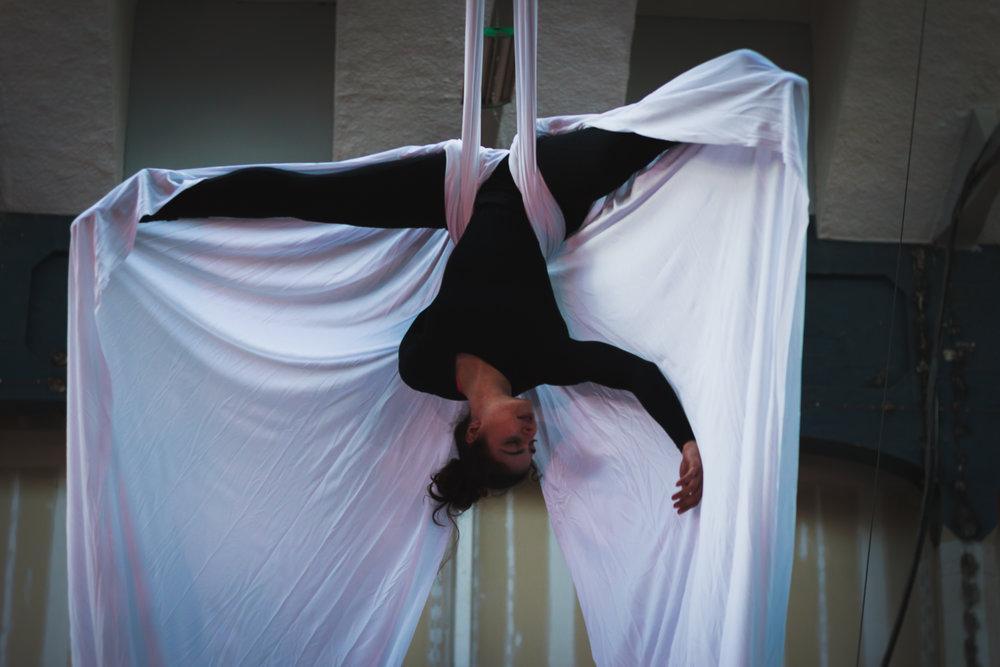 Dani on Silks   Photo by Richard Walker