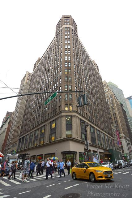 New York Corner city manhattan building taxi people street