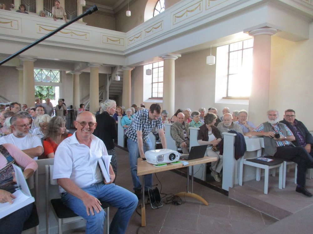 Hans-Dieter Graf bei der Buchvorstellung in Hamm 21.6. 2018, Foto Martina Graf .JPG