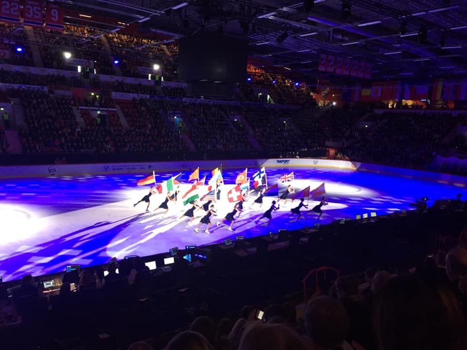 Some of our skaters are lucky enough to be there!!  Lynne for the photo credit!