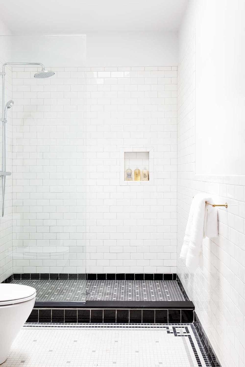 Lokal-Hotel-Philadelphia-OldCity-Bathroom-1.jpg