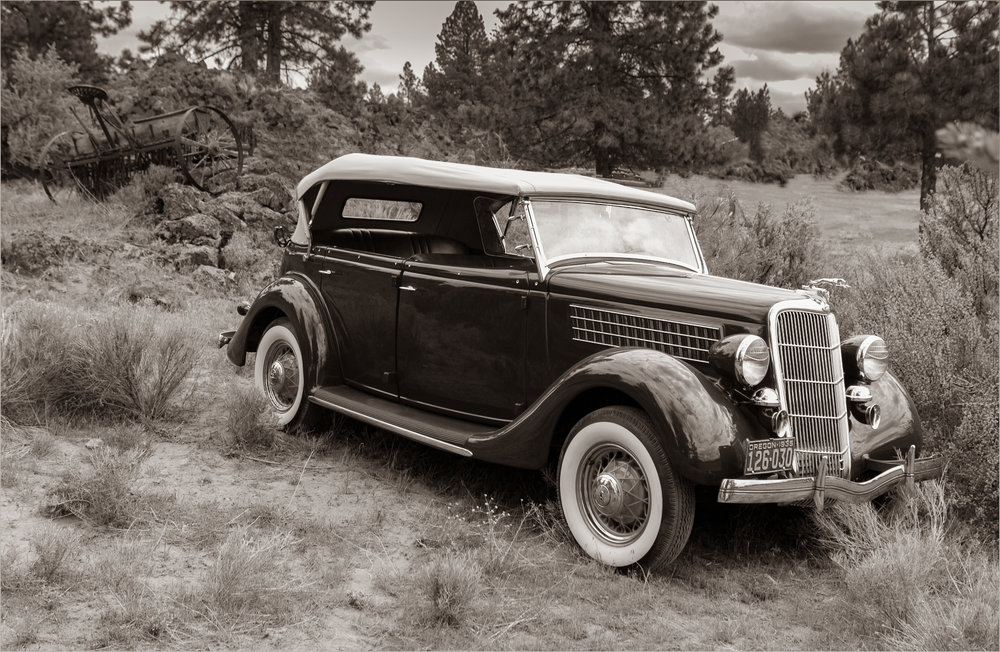 1935 Ford Phaeton 34 front beauty sht-Edit.jpg
