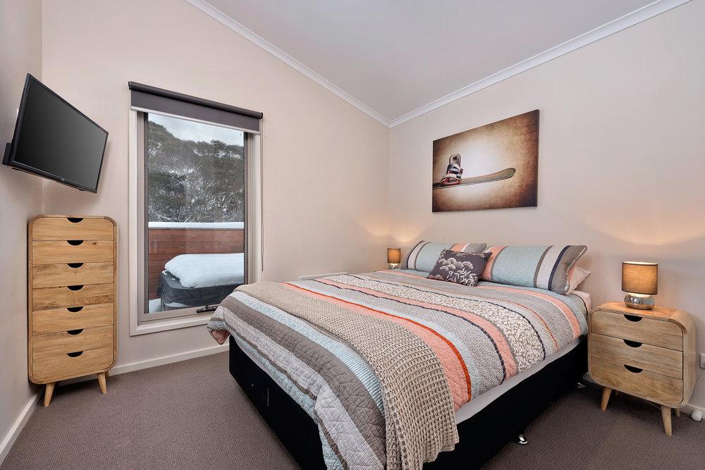 Snowview Bed 2.jpg