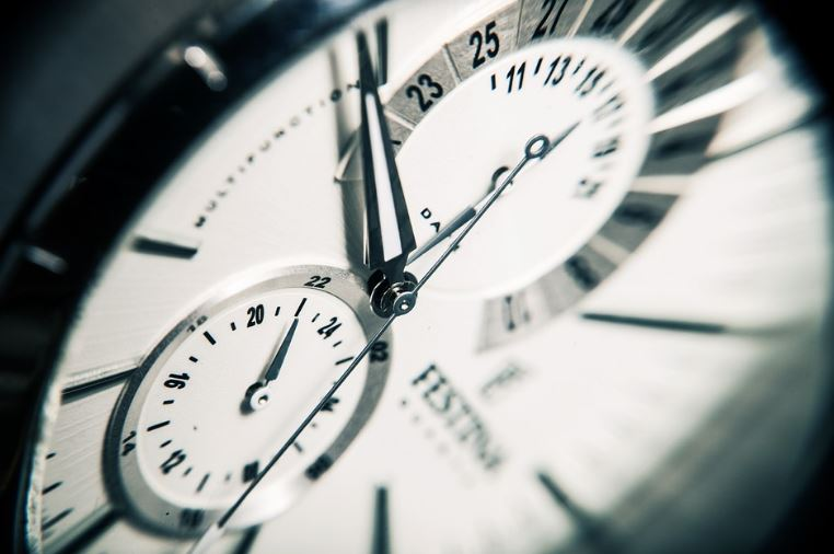 setting hours for your freelance business