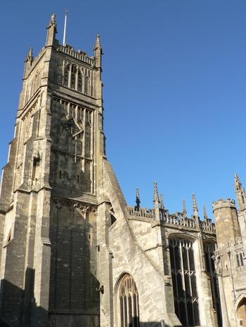CIRENCESTER'S MONUMENTAL CHURCH