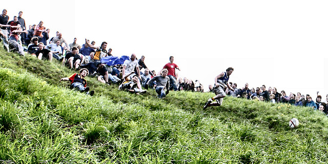 cheese-rolling-cotswolds