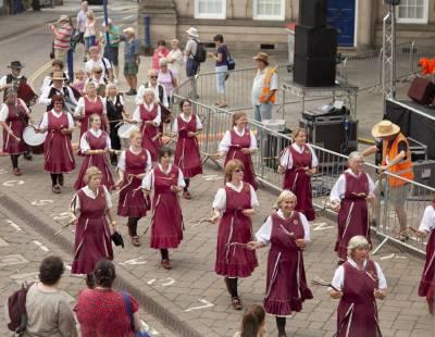 Warwick-Folk-Festival-Morris-Dancers01.jpg