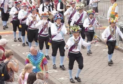 Warwick-Folk-Festival-Morris-Dancers08.jpg