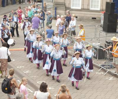 Warwick-Folk-Festival-Morris-Dancers10.jpg