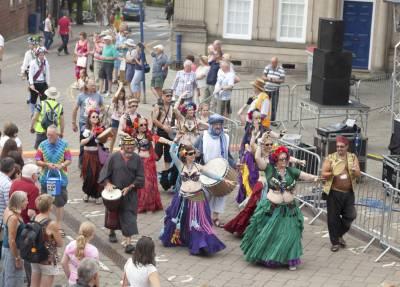 Warwick-Folk-Festival-Morris-Dancers11.jpg