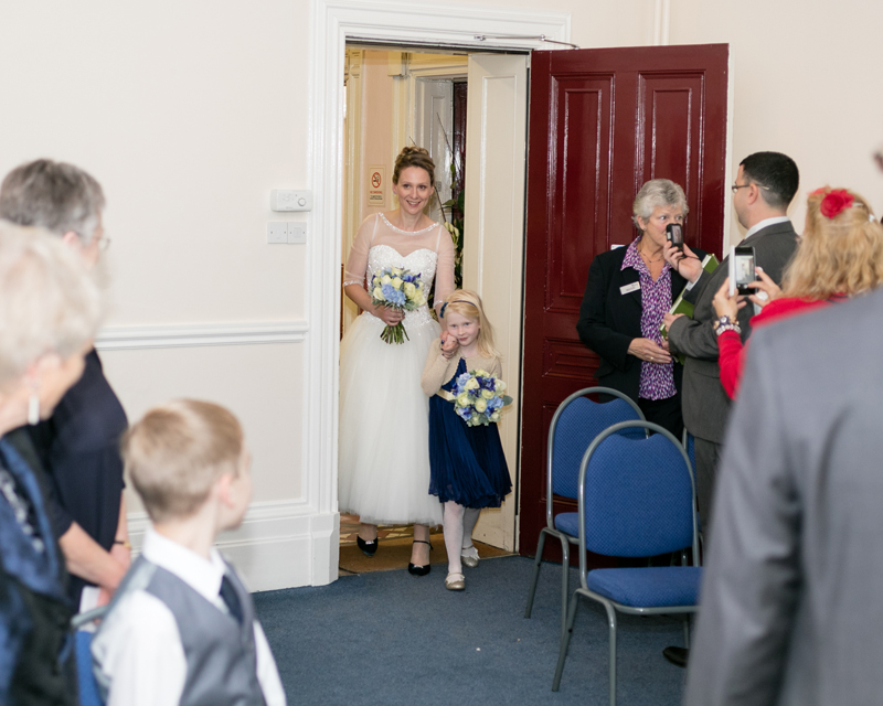 wedding-photography-at-Glebe-Hotel-Warwick14.jpg
