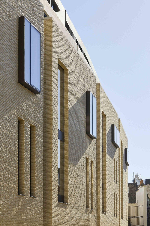 Flanagan Lawrence_Grosvenor Crescent_London_©Hufton+Crow_025.jpg