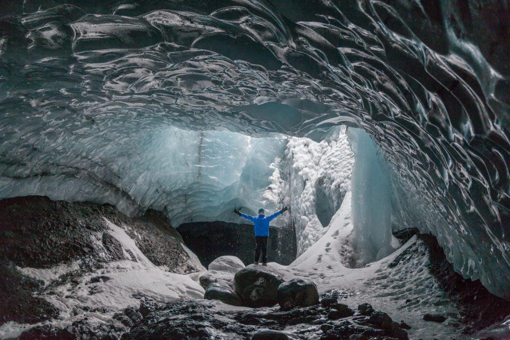 iceland-cave-third16-traveler