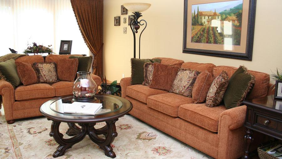 livingroom1-lg.jpg
