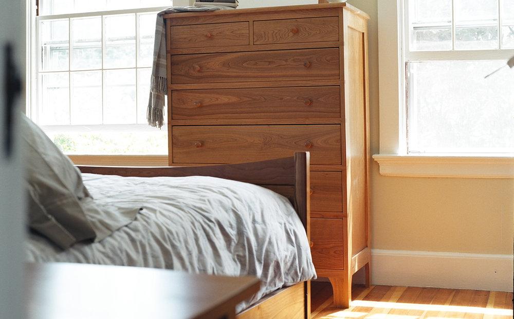 Vertical Dresser