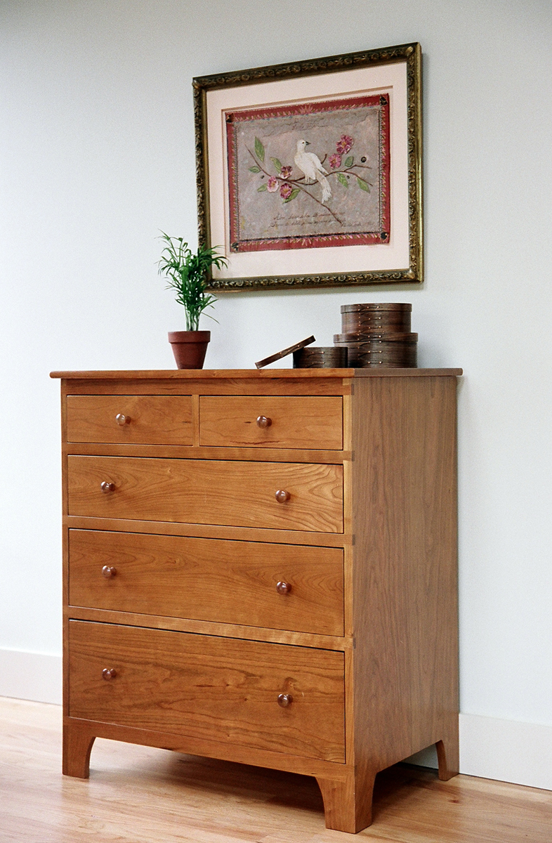 chests-bedroom-furniture-shaker-five-drawer-chest-dresser