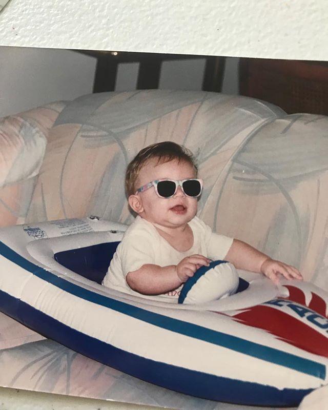 Baby me 1993 😎