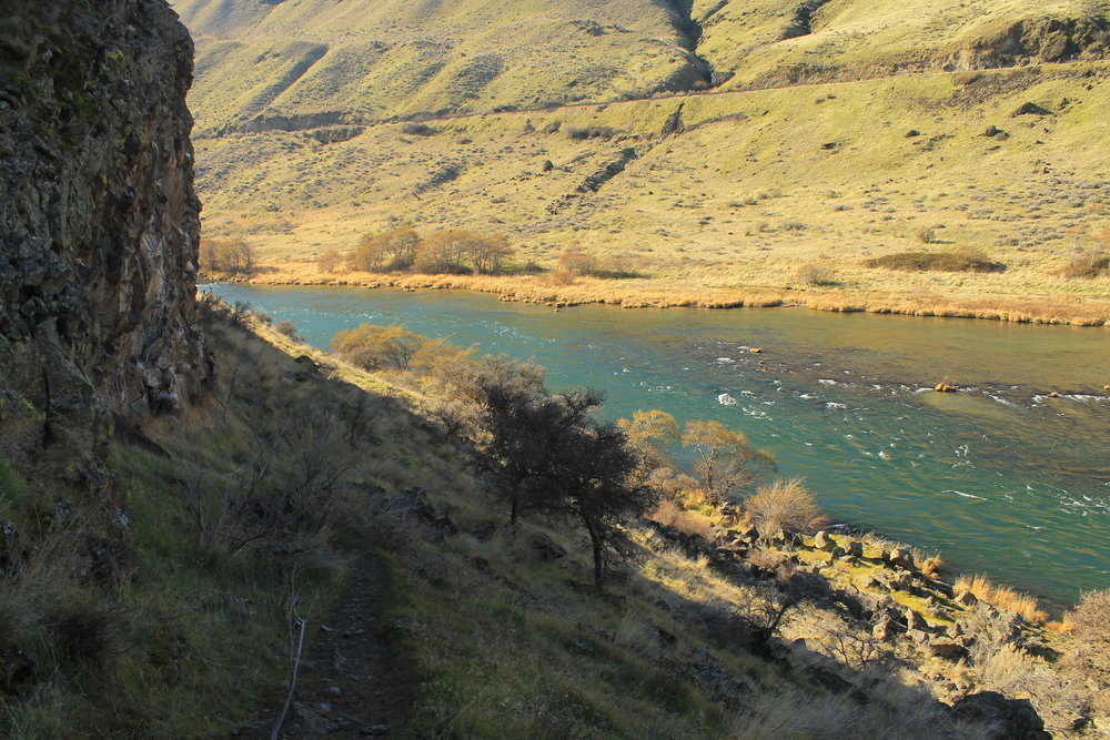 The narrow spot in the Deschutes River canyon about 2 miles from the trailhead.