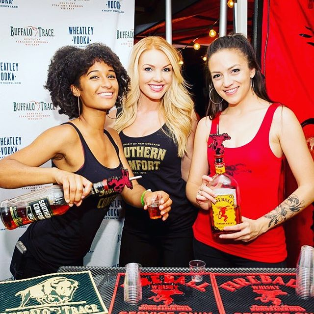 Southern Comfort + Fireball ☄️ ⠀⠀⠀⠀⠀⠀⠀⠀⠀ Friends + fireball = fun times at chicken fight! Tickets on sale next week, are you ready?! . . . 📸: @andeckphoto