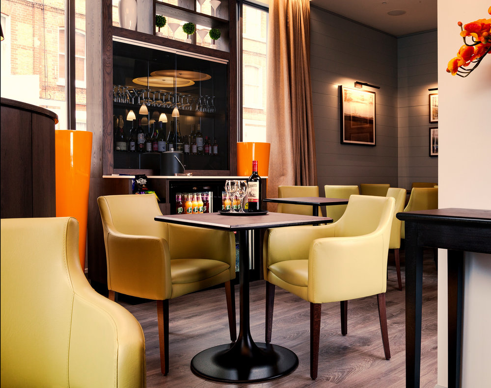 AGUA_Hotel_Reception_1s.jpg
