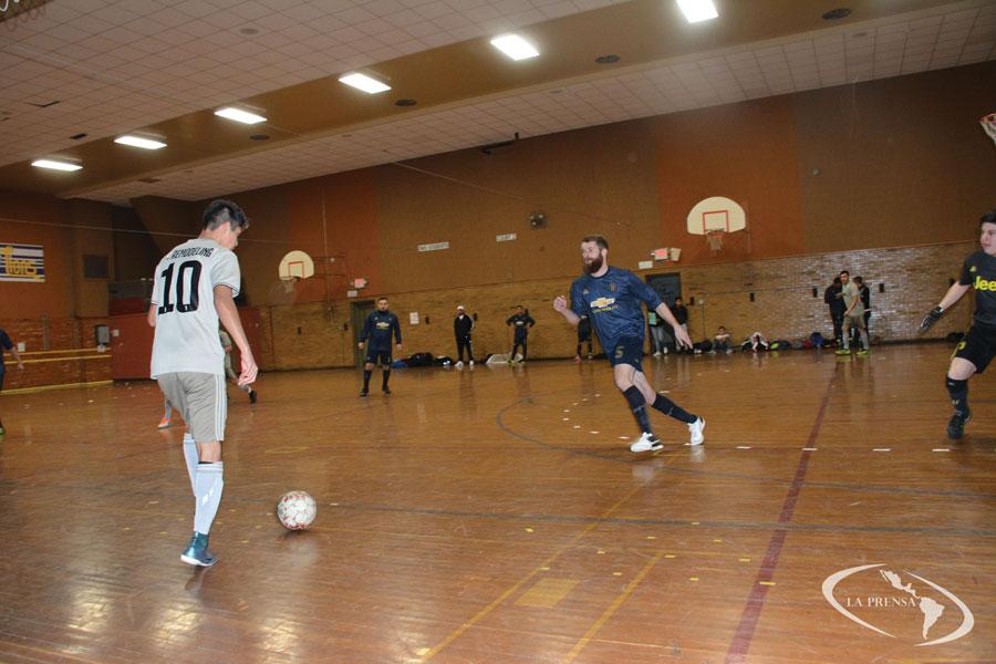 Deportivo La Prensa y Storm Lake FC son dos de los cinco equipos ya clasificados en el Indoor Soccer de Denison que el próximo 23 y 24 de febrero entra a jugar la liguilla.