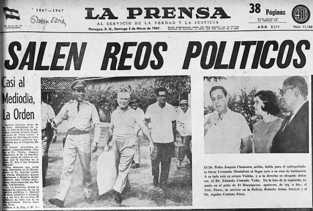 52 años después la historia se repite, la dictadura de entonces libera reos políticos. En la foto Pedro Joaquín Chamorro con su esposa doña Violeta Barrios de Chamorro entonces reo político. (Foto tomada de redes sociales)