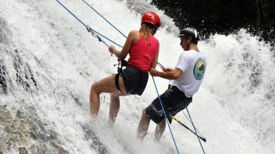Rapel na Cachoeira - LocalizaçãoRua Guilherme dos Santos - Boiçucanga/São Sebastião. Localizada no