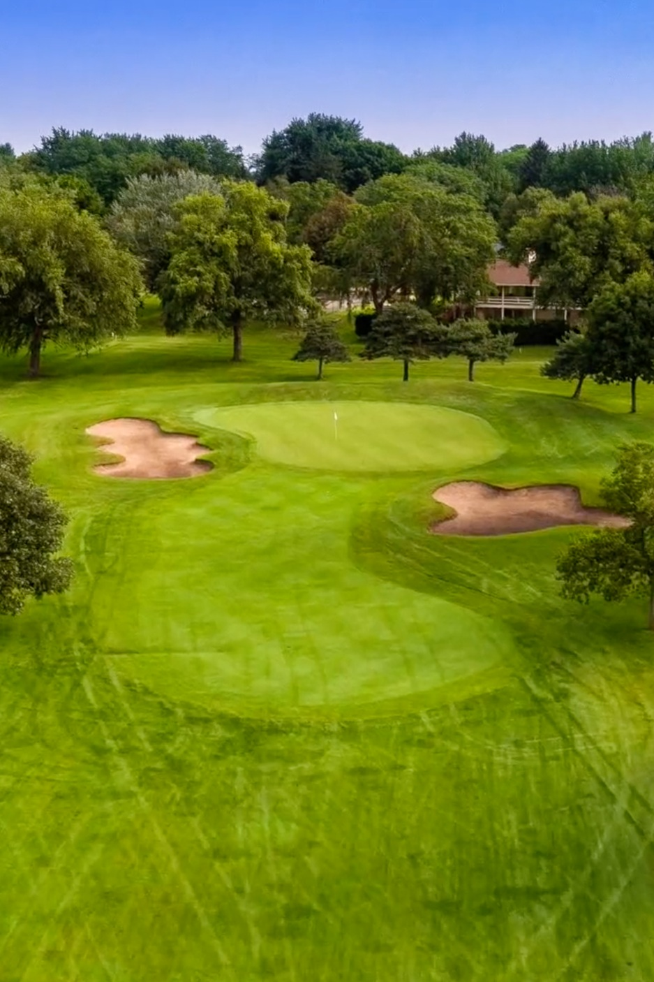 golf-greens-at-sunnyside-golf-and-country-club