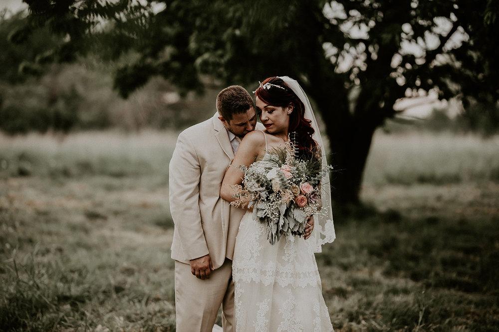 photographer_missouri_wedding_natural_dreamy_engagement_portrait_2.JPG