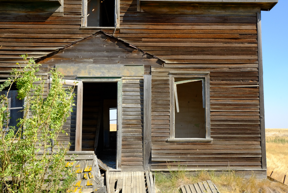 brokenhouse.jpg