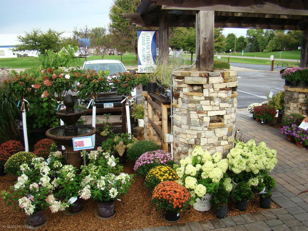 superior-ll-outdoor-expressions-garden-center-002.jpg
