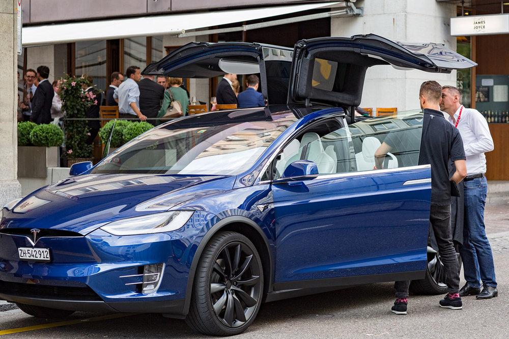 2019-02-13_JoyceMcInnis-Tesla-Event-06.jpg