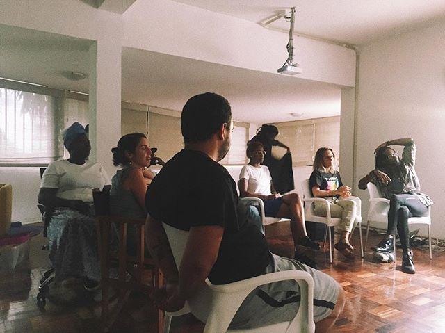O que será que a Equipa G80 estava a ver?🤔 - - #g80 #geracao80 #angola #africa #productionstudio #filmmaking #filmmaker #producao #filmphotography #creativeproduction #cinema #africanfilm #africancinema #africanproduction #film #tv