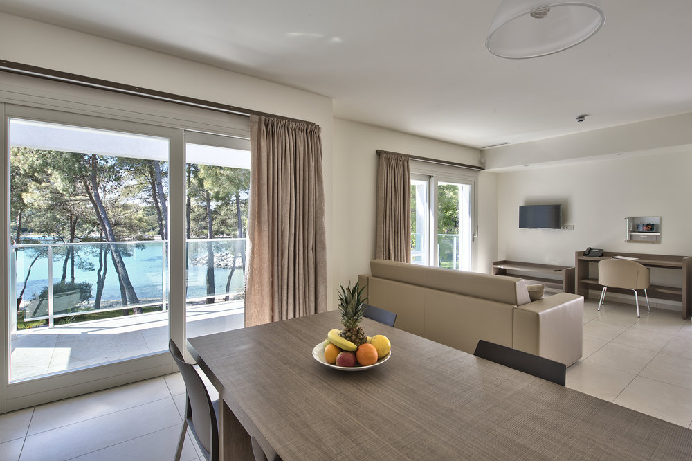 APARTMENT SEA VIEW FIRST  FLOOR 2.jpg