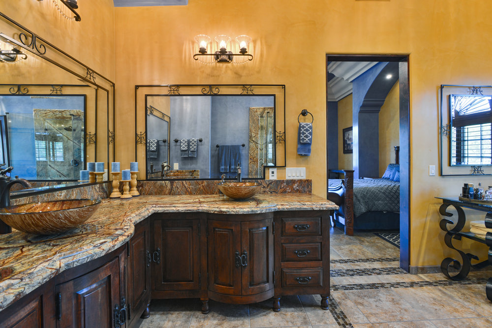 Master Bathroom- TW_9.JPG