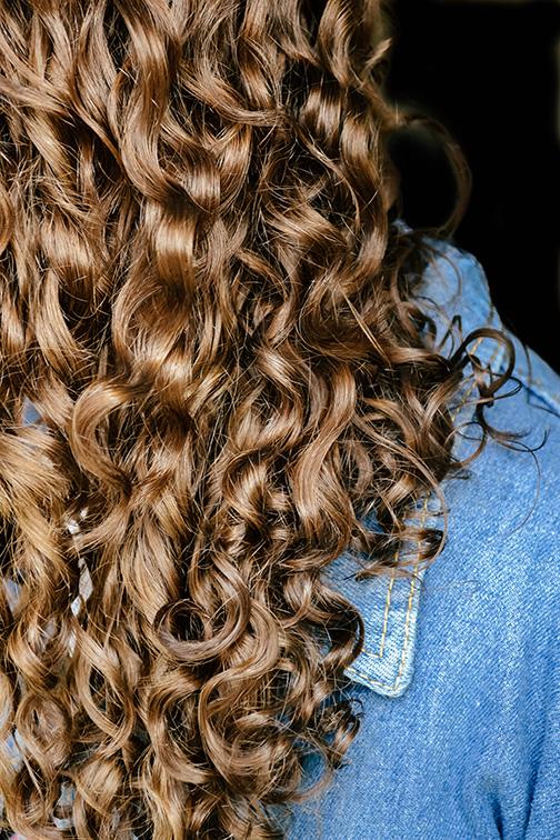 curly-hair-stylist-training-in-kansas-city-KC-Beauty-Kylie-Crinnian-6.jpg