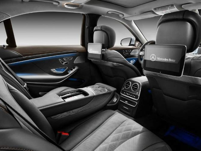 Mercedes S-Class Sedan Interior rear