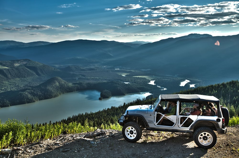 Jeep-HDR-Lake-min.jpg