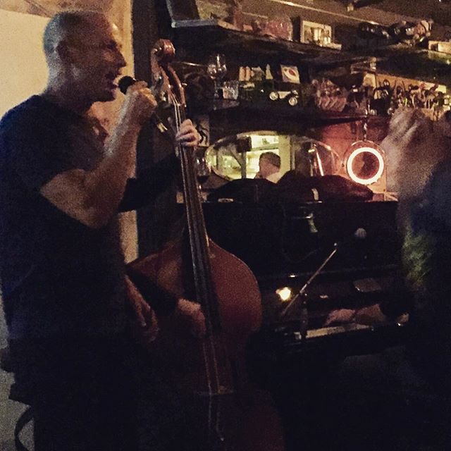 Singing is good for the soul #jazz #soul #stkilda #claypots #melbournelife #australia