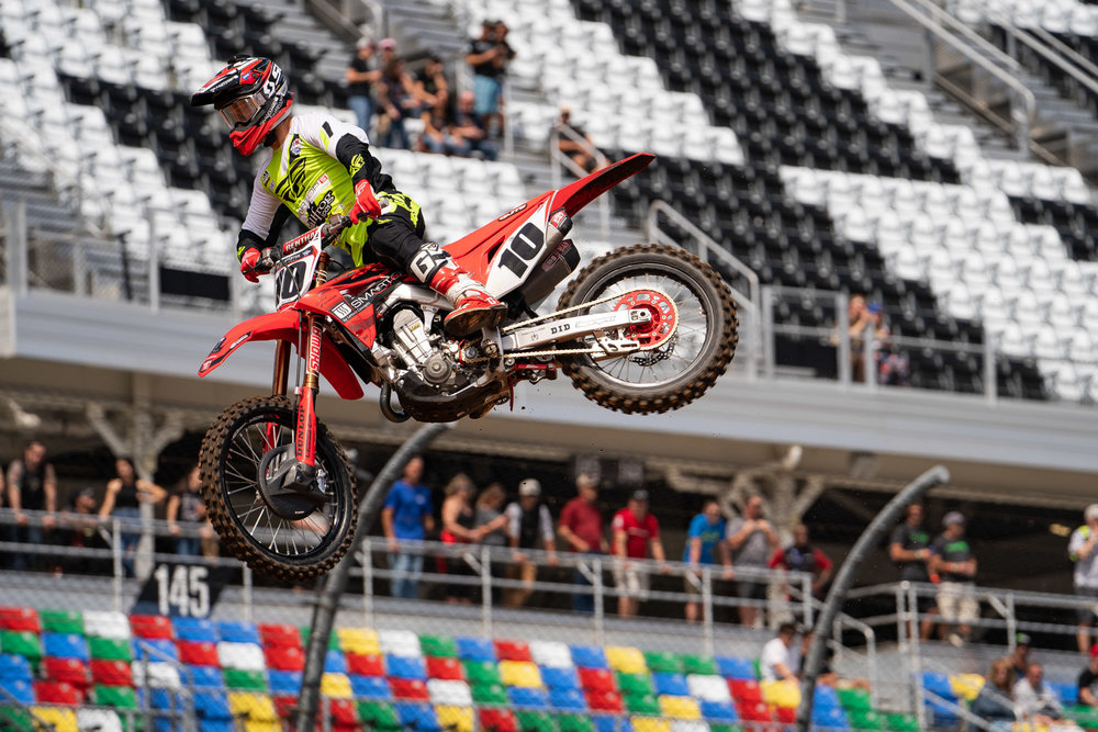 There was no real pressure on Justin Brayton at Daytona this year. Yeah, the SmarTop/Bullfrog Spas/MotoConcepts/Honda rider was kept busy with media obligations through the week, but it helped him keep his mind of a severely sprained ankle that JB10 suffered ahead of Atlanta.