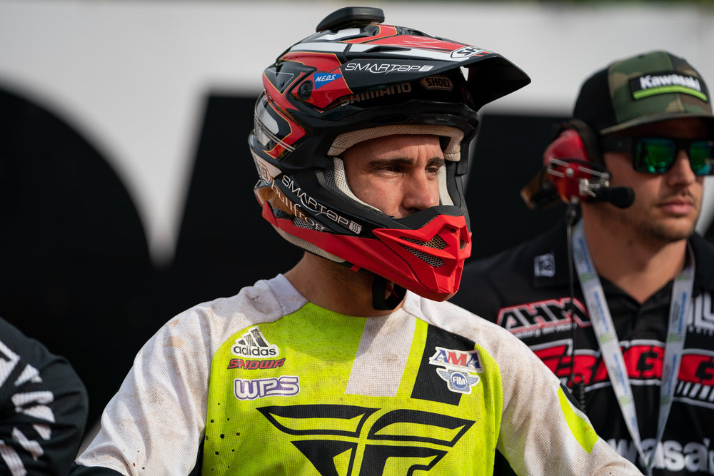 Stick and ball athletes have signature shoes, motocross riders have signature helmets. Shoei has added a Justin Brayton replica lid to their VFX-EVO model and it's now available at retailers. Props to JB10, because this is an accomplishment that only a select number of racers have reached.