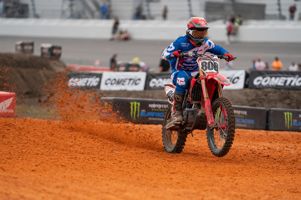 Week two of Mike Alessi's return to Supercross was eventful, to say the least. A small illness kept the SmarTop/Bullfrog Spas/MotoConcepts/Honda rider from putting him practice laps early in the week, but on Thursday he swept the Tampa Pro motocross race over Tyler Bowers and some other speedy riders. Considering the time that Alessi spent away from SX, it's impressive to see him make two Main Events right off the bat.