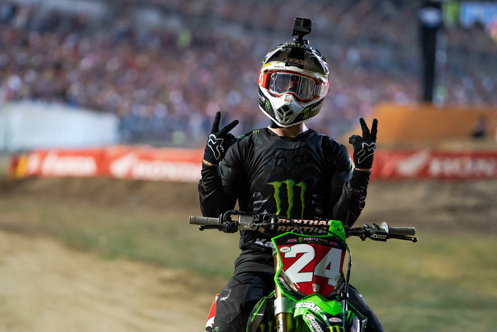 Dude's clean for someone that just came off the track at Daytona. Austin Forkner was unchallenged in his Heat Race and there was virtually no sign on his bike or body that he'd just cut laps on the sandy track. Note the GoPro on top of his Bell lid; yeah, that's a new addition for Forkner.