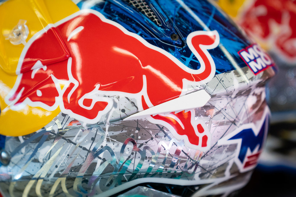 A new Airoh lid with a Red Bull paint scheme by French artist OCD. This is Marvin Musquin's third custom-painted helmet of the 2019 season.