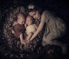 VINTAGE CHIC- Twin New Born - Sleeping Beauties - New Born Photography