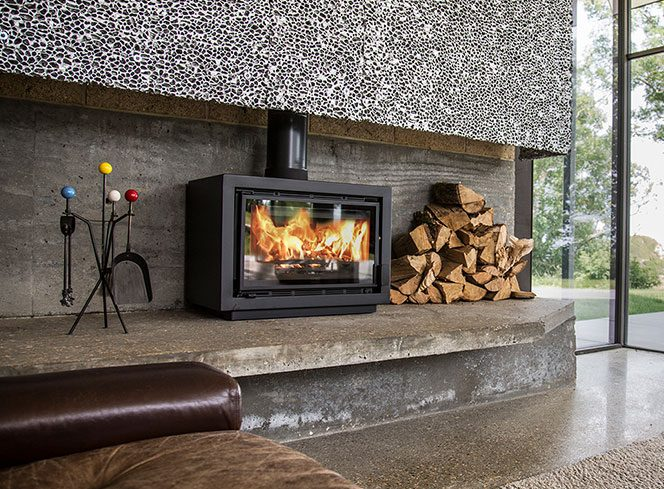 Charnwood-Bay-BX-Exceptional-British-Stove-e1509835925813.jpg