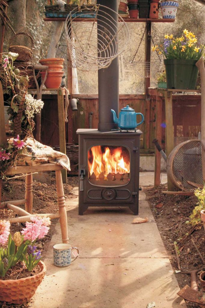 Charnwood-Country-4-Woodburning-Stove-outside-682x1024.jpg